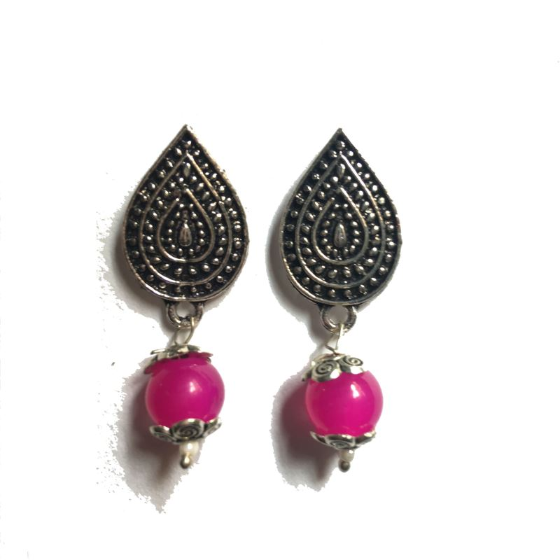Leaf pink stud earrings