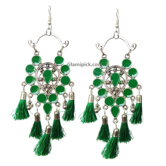Frings trendy hook earrings - Green
