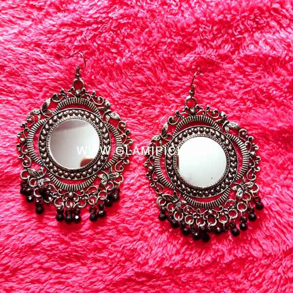 Mirror Earring with black beads